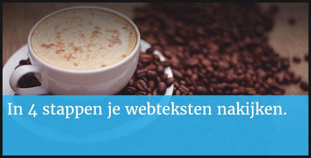 Webteksten controleren met koffie